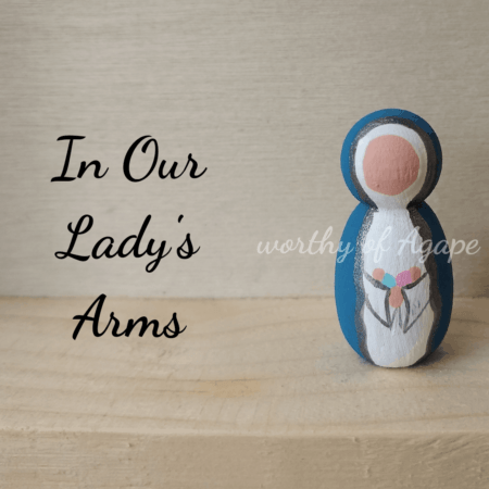 In Our Lady's arms keychain